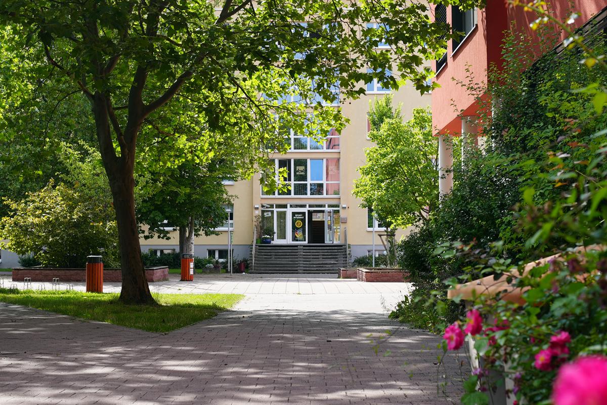 SV-Halle_Sportschulen_Internat-Platz